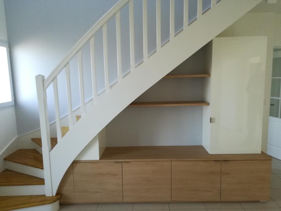 Meuble sous escalier - Menuiserie Ouvrard Guilloteau