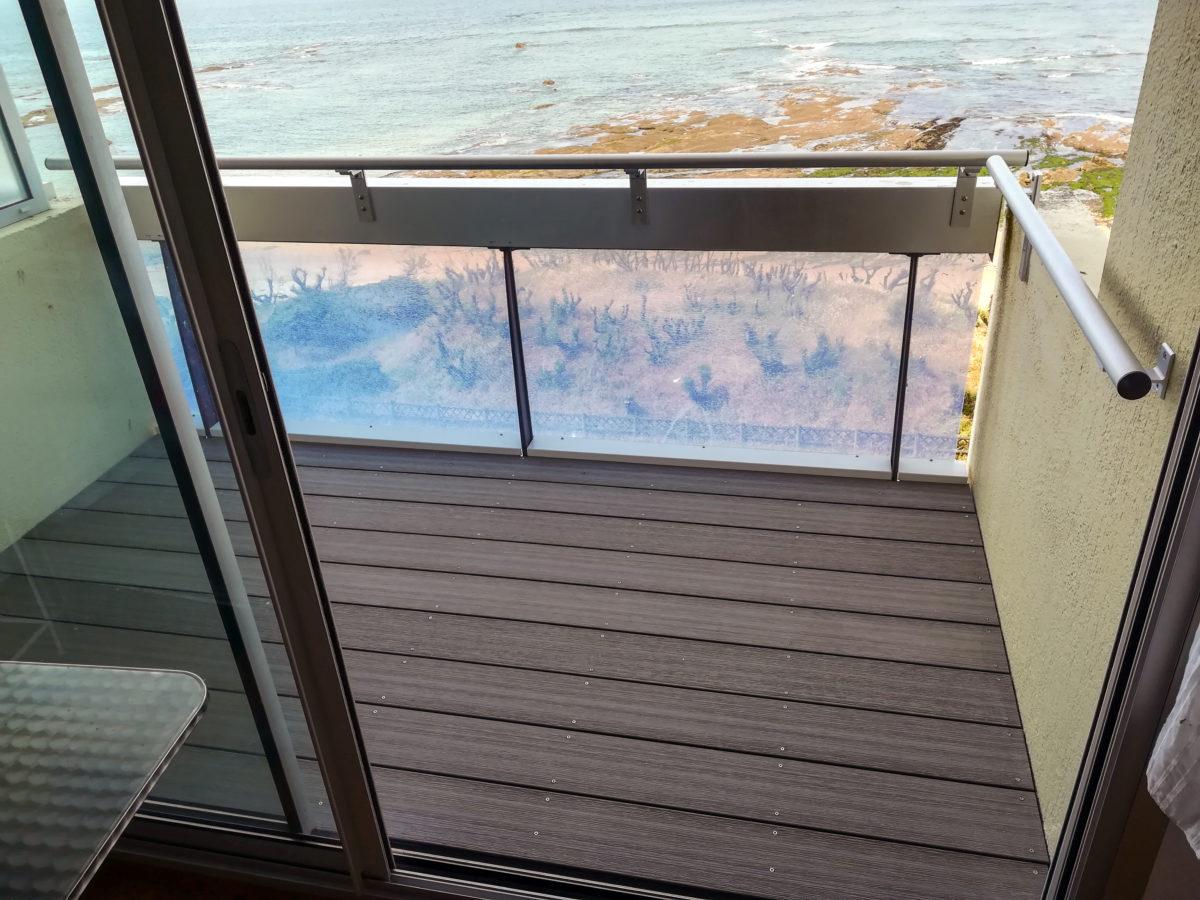 Terrasse composite sur balcon - Menuiserie Ouvrard Guilloteau
