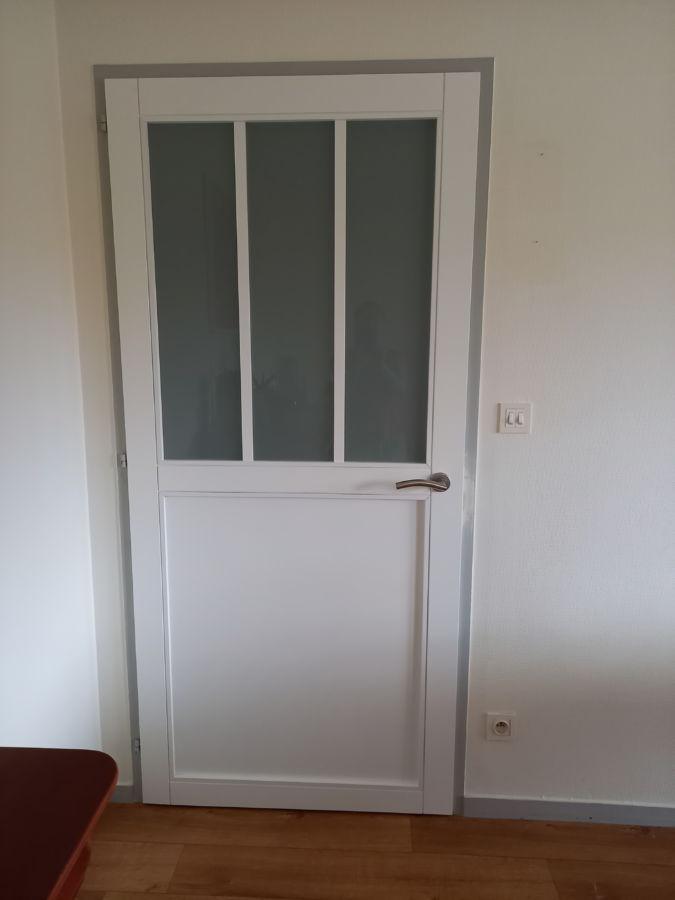 Porte verrière blanche pour intérieur